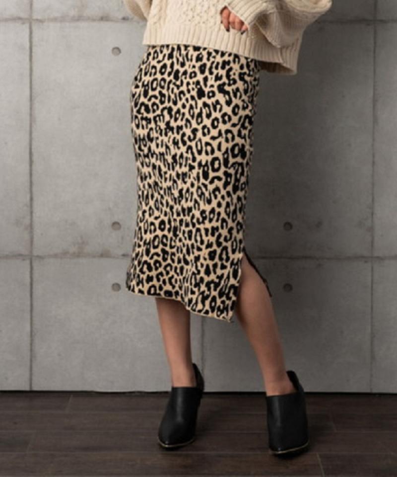 レオパード柄ニットスカート