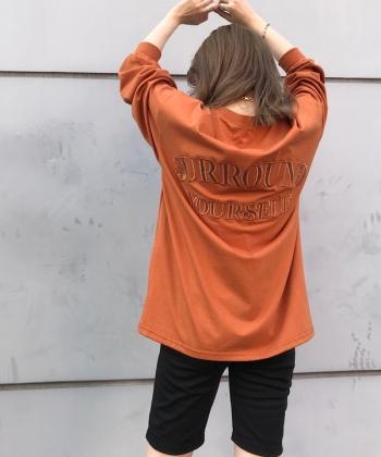 Back satin 刺繍ロンT